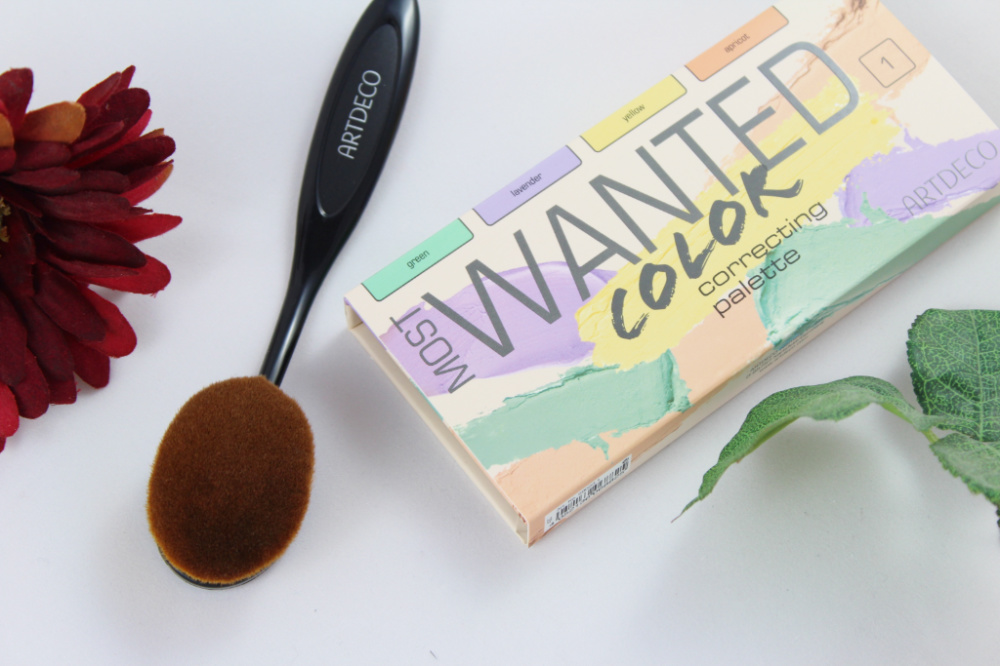 Artedco Most Wanted Color Correcting Palette Large Oval Brush